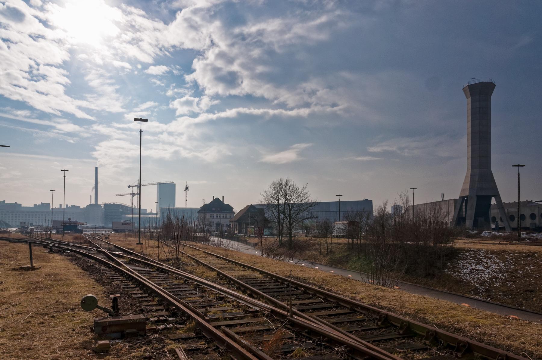 Street_RailsnSun